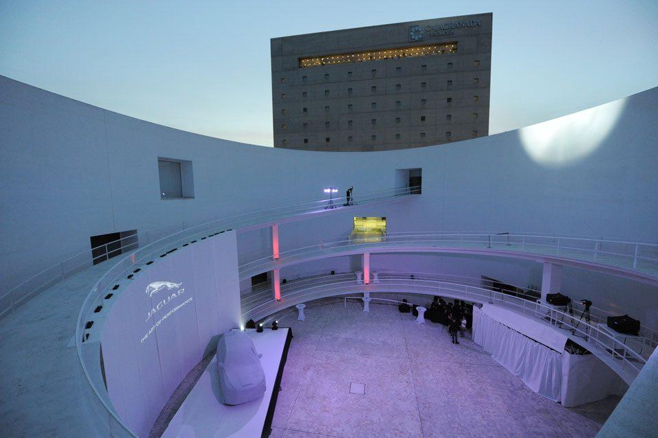 Proscenium - Montaje de la presentación del Jaguar F-PACE en Granada